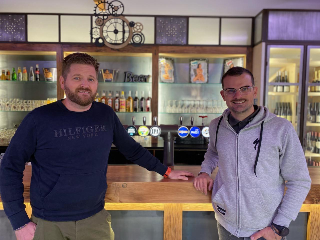 Emmanuel et Alexandre vous accueillent dans le café vélo La Rustine