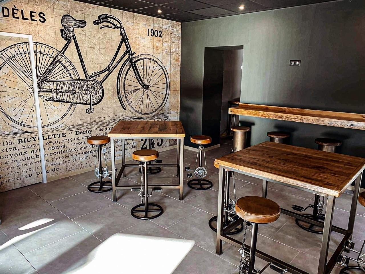 Qui sommes-nous : La Rustine, café vélo bar à Orange